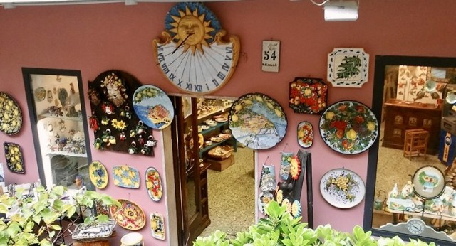 reasons to visit Cinque Terre shopping