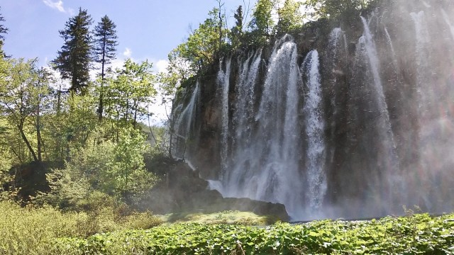 travel hacks for europe, budget travel tips, plitvice Croatia