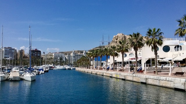 Spain travel tips student budget Alicante