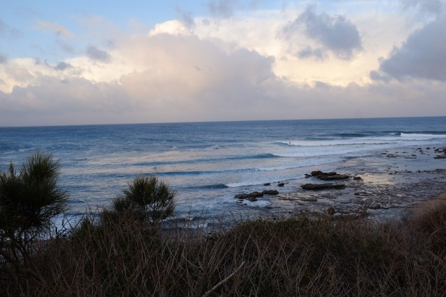travel in Australia, sandon point surfing