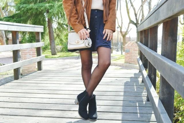 look-con-chaqueta-y-falda-de-ante-10