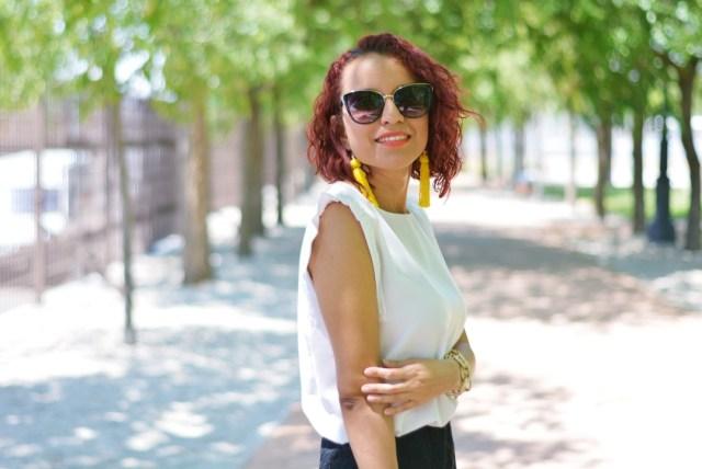 Look con blusa blanca