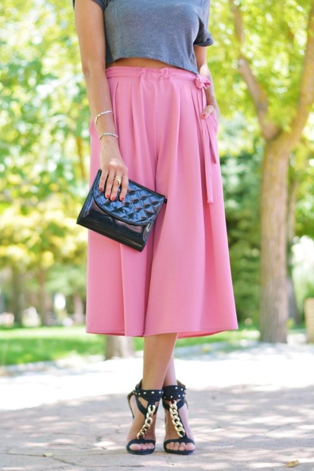 Pantalones culotte y tacones