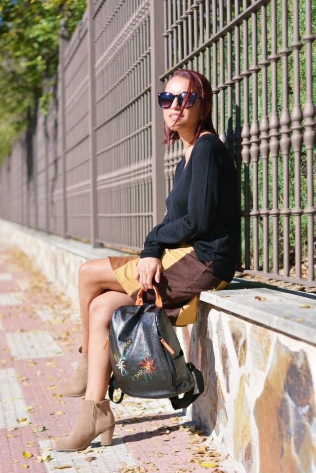Outfit con marrón y negro