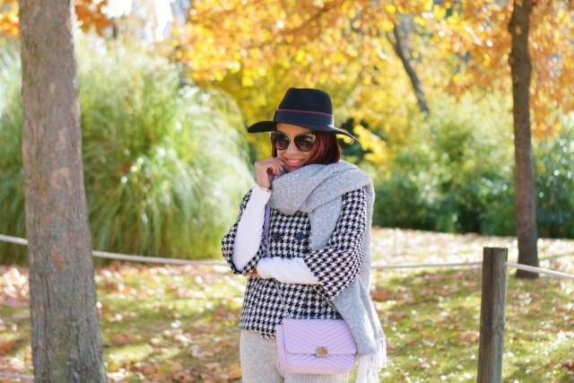 Bufanda y pantalón de lana
