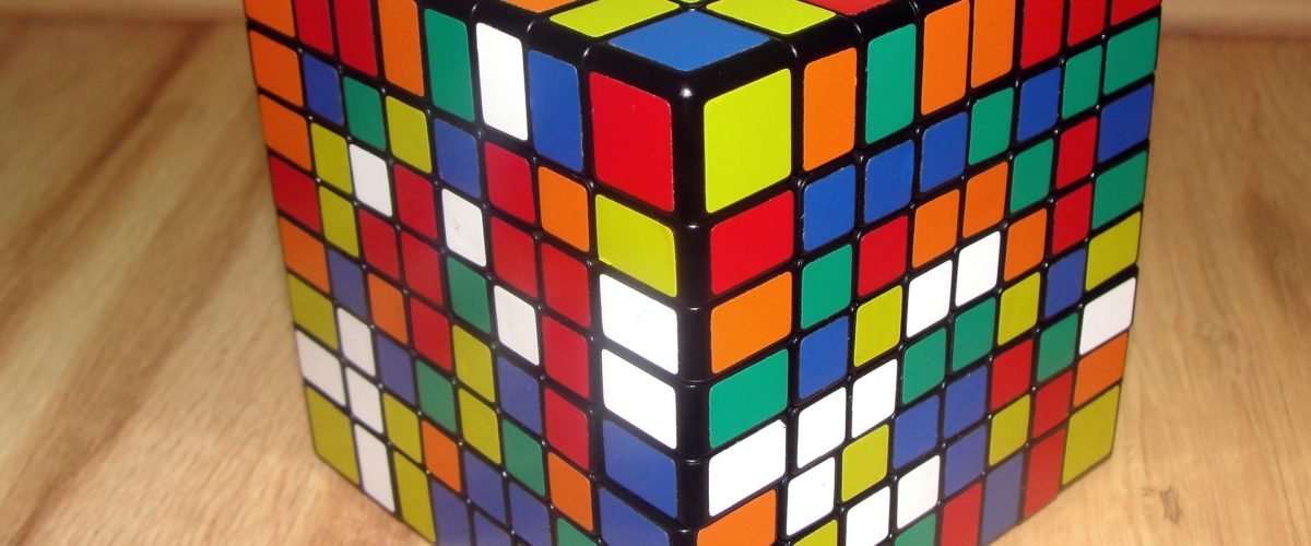 rubiks-cube-1390088_1920