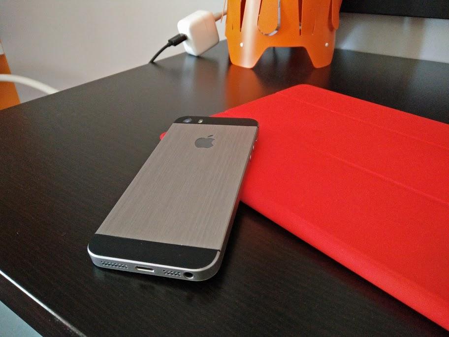 iPhone SE and iPad