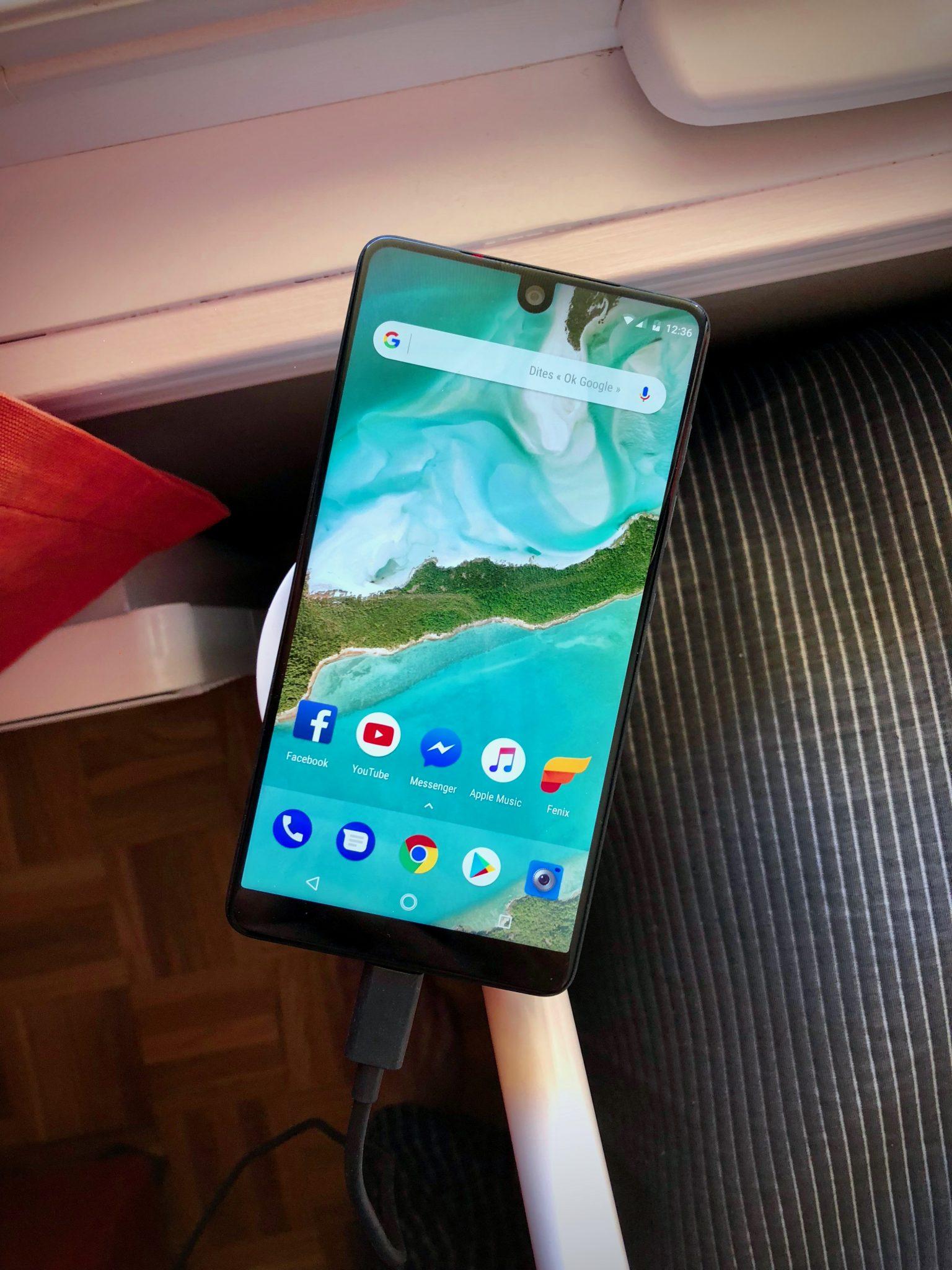 Essential Phone review Design