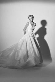carolina-herrera-wedding-dresses-spring-2018-back-003