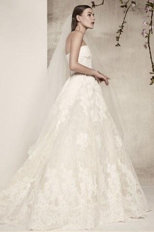 elie-saab-wedding-dresses-spring-2018-003
