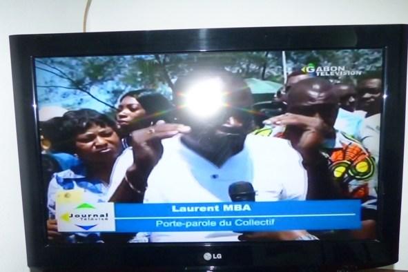 Les victimes de la BR-Sarl, une banque d'un escroc manifestent devant l'Assemblée nationale