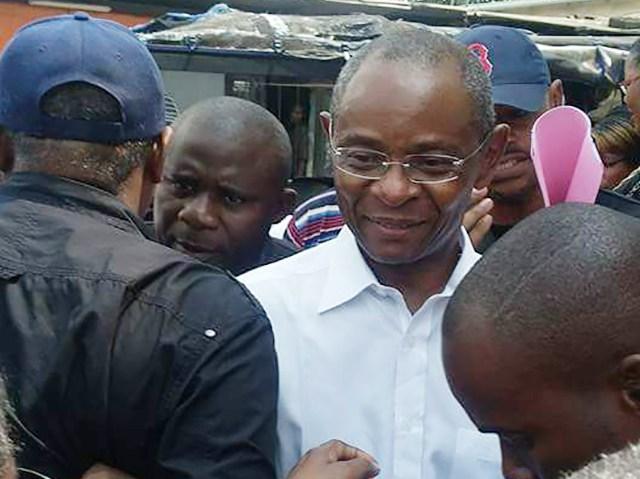 Léon Paul Ngoulakakia face à la presse vendredi à la Chambre de commerce