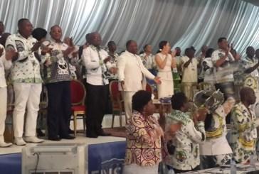 Présidentielle 2016 : Ali Bongo Ondimba adoubé par son parti et jette un petit charme aux frondeurs
