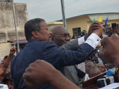 Jean Ping zappe un débat télévisé et exige un face à face avec Ali Bongo