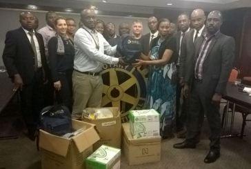 Le Rotary Club Libreville-Komo offre des kits scolaires à 75 enfants démunis