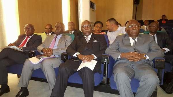 Législatives 2018: l'opposition remettra sa liste des commissaires au CGE ce lundi à Noël Matha