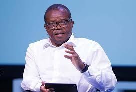 Marc Ona Essangui sort la chicotte et frappe Moukagni Iwangou