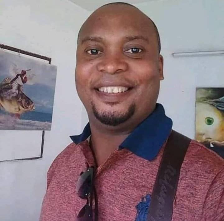 Ce bel homme a été assassiné sur son lit d'hôpital par sa Tchiza