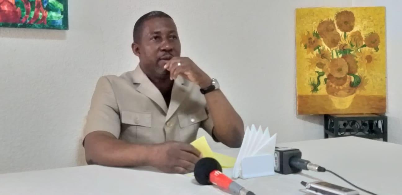 Abel Mbombe Nzondou demande la démission du Premier ministre
