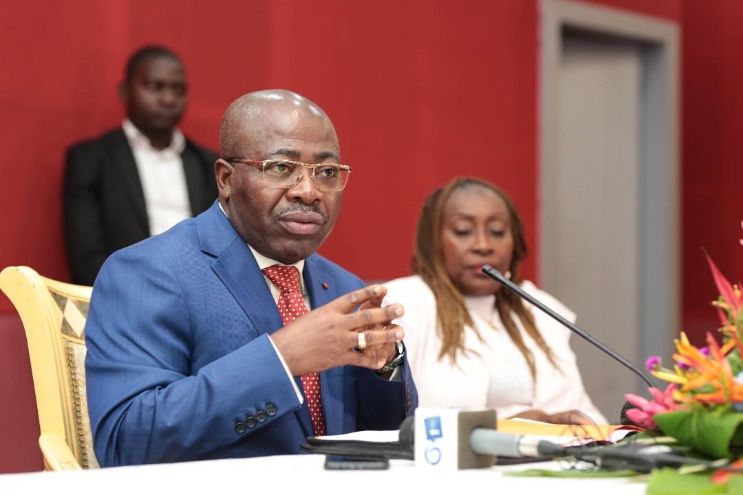 L'Etat gabonais attribuera enfin des nouvelles cartes de presse aux journalistes