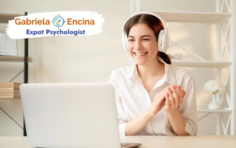 Counseling with an Expat Psychologist - Expat Woman in online counseling with Gabriela Encina