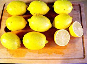 Lemon water made easy - lemon ice cubes