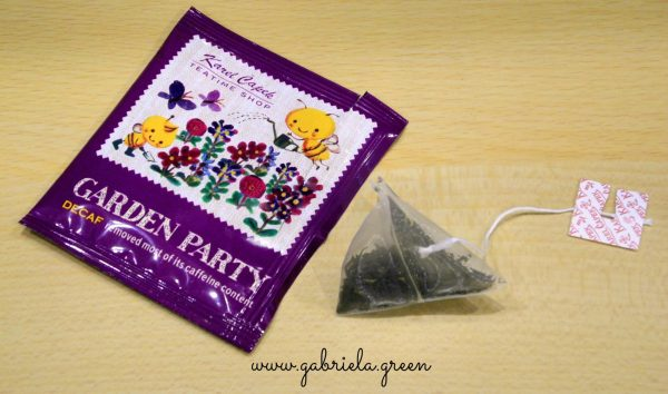 Karel Capek tea review | Garden Party open tea bag | Gabriela Green blog