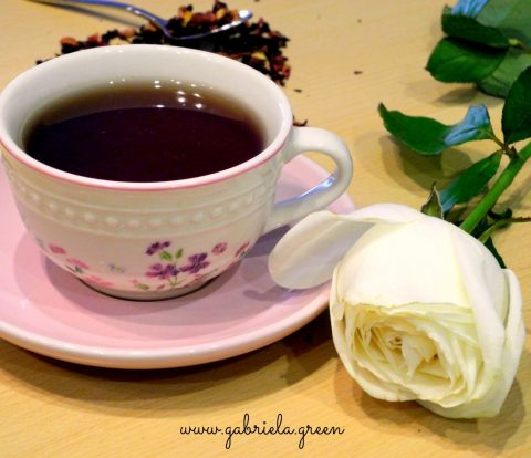 Tea Meditation | Teacup white rose | Gabriela Green