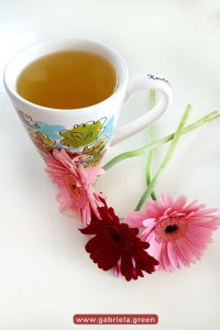 12 Calming Teas - How to relax with herbal tea_ www.gabriela.green
