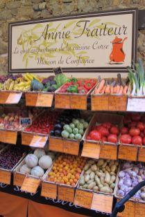 Einkaufen in Calvi bei Annie Traiteur