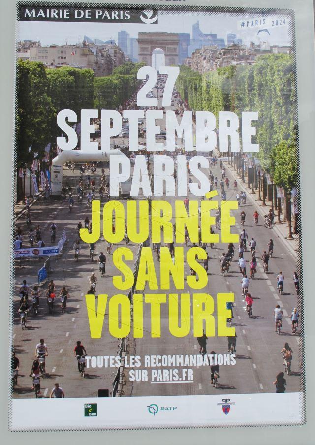 Autofreier Tag auf den Pariser Champs-Elysées