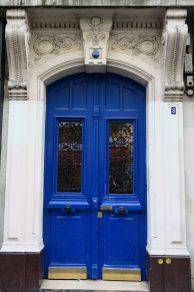 Intra LaRue Rue des Abbessses