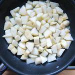 Birnen kurz in Essig und Honig garen