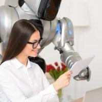 Umani e bot: inoltre, non invece