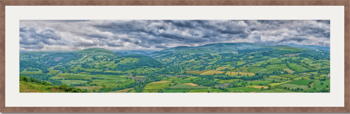 Usk valley by Gabriel Hemery