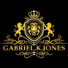 cropped-gabrielkjones_r201-22.jpg