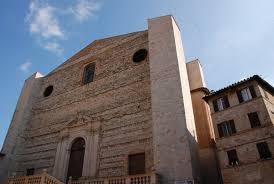 Perugia - L'ingresso della basilica di San Domenico affacciata su Piazza Giordano Bruno