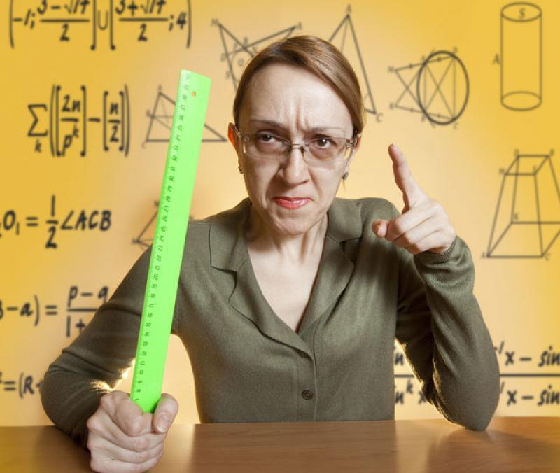 Risultati immagini per maestra antipatica