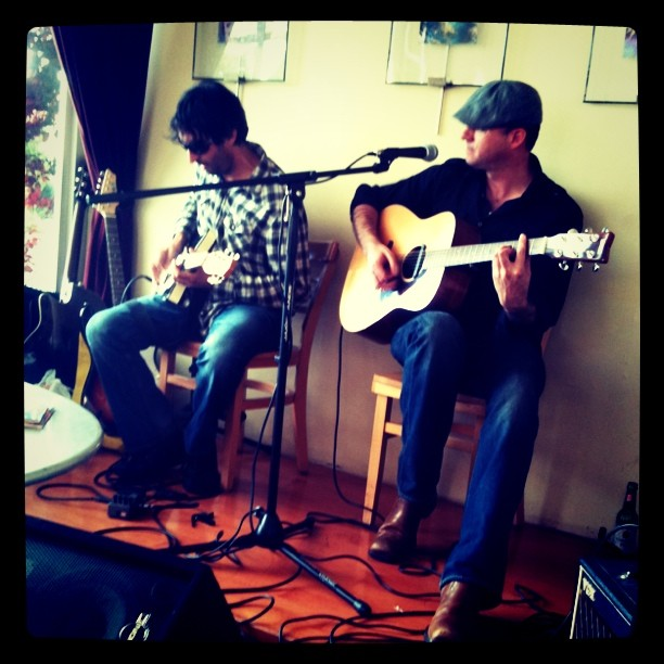 Scotty Rock'n'Roll playing at Nomad Cafe