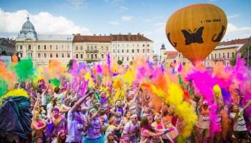 Invitație la culoare și bucurie pe malul mării – The Color Run Mamaia