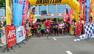 Peste 1.200 de oameni, concurenti si sustinatori la a doua editie de URBATLON