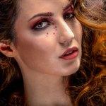 Retoque y maquillaje experimental