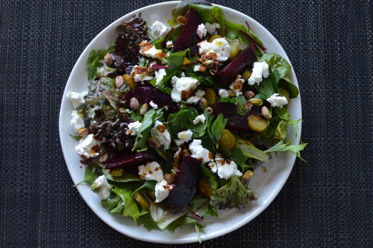 roasted beetroot goat's cheese and pistachio salad