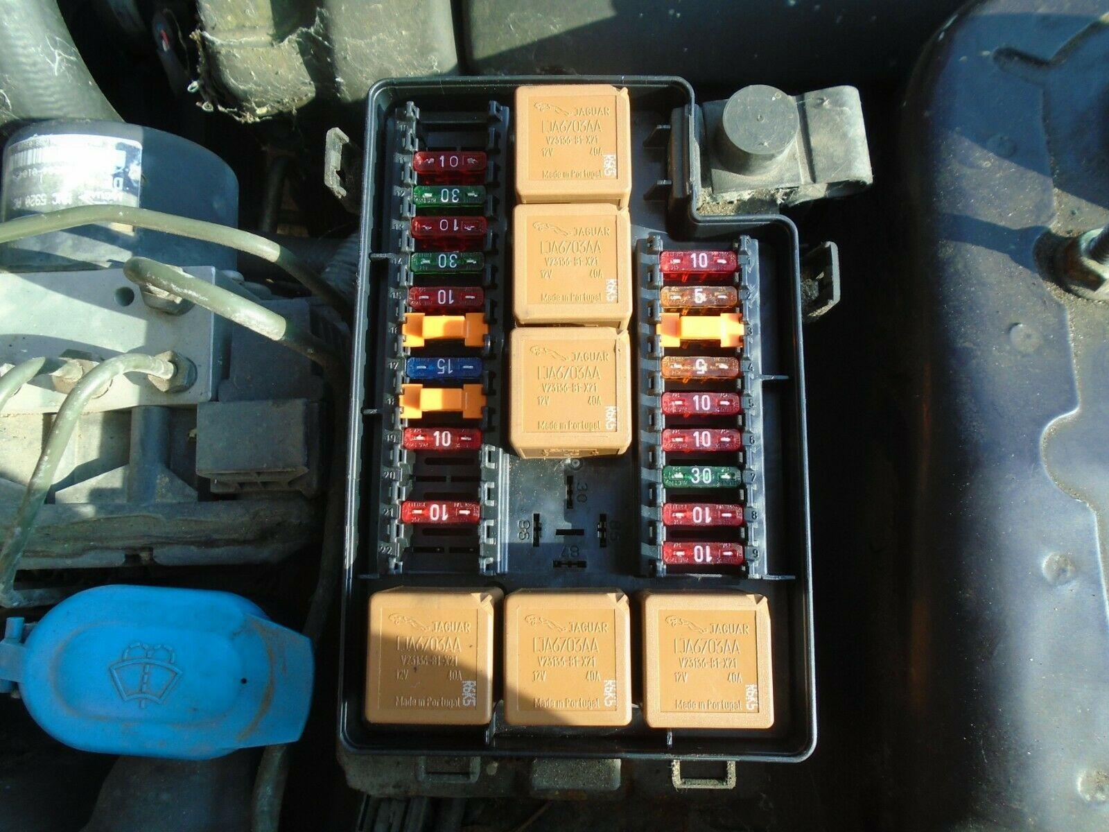 hight resolution of 1998 jaguar xk8 4 0 v8 petrol under bonnet fuse board box 1996 2002