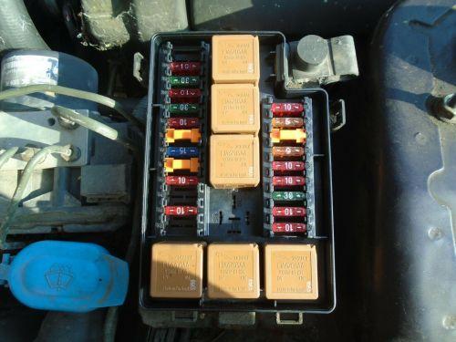 small resolution of 1998 jaguar xk8 4 0 v8 petrol under bonnet fuse board box 1996 2002