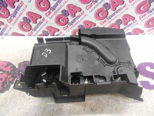 small resolution of vw touareg under bonnet fuse box 07 10