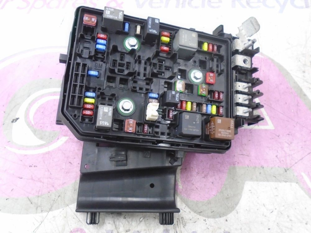 medium resolution of vauxhall fuse box cover wiring diagram astra fuse box removal