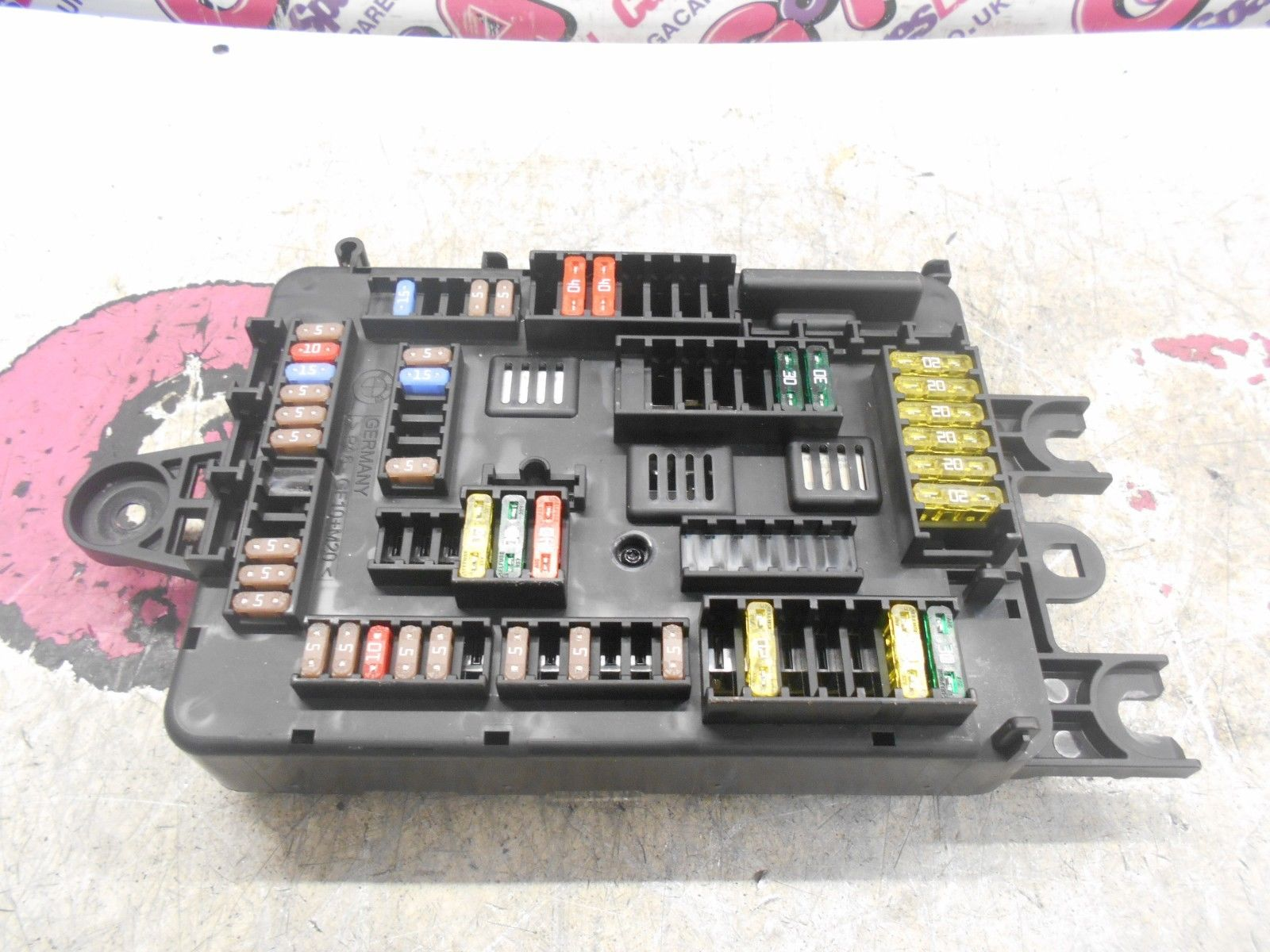 hight resolution of bmw 1 series f21 rear boot fuse box 11 16