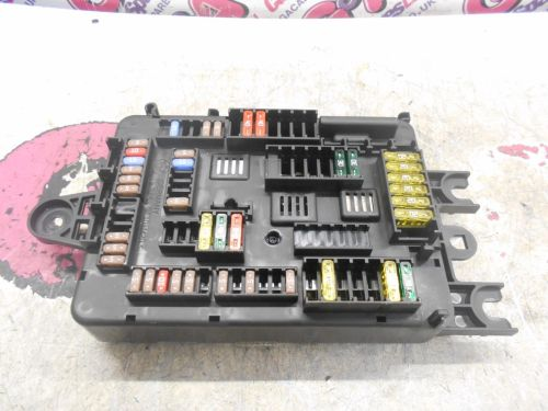 small resolution of bmw 1 series f21 rear boot fuse box 11 16