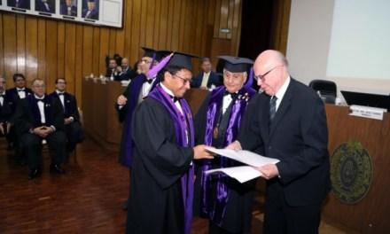 El doctor Manuel Ángeles forma parte de la Academia Mexicana de Cirugía